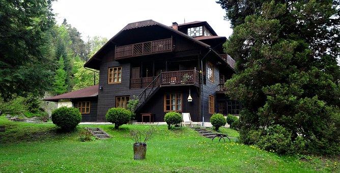 Lanckorona, Poland, Architecture, Superstructure