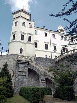 Lock Konopiště, History, Mansion, Tower, Stairs