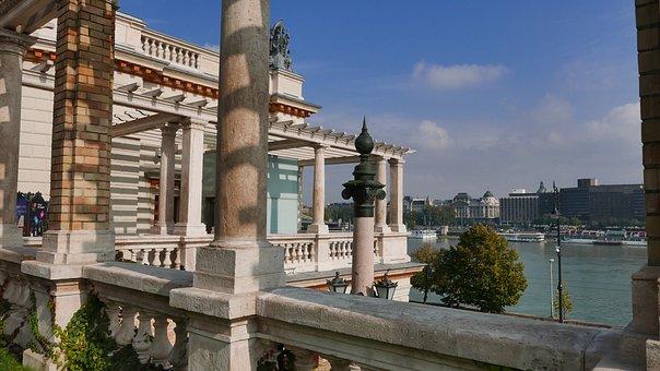 Budapest, Castle Garden Bazaar, Sight
