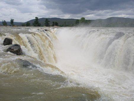 Hogenakkal Waterfalls, Waterfalls Near Bangalore