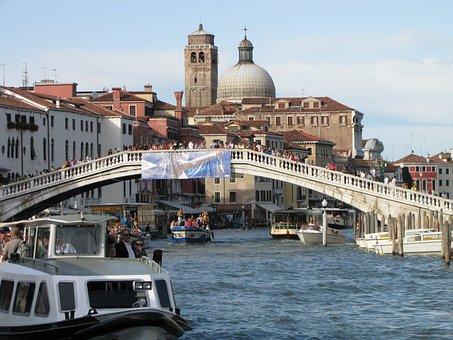 Italy, Venice, Rialto, River, Boats, Tourists, Church