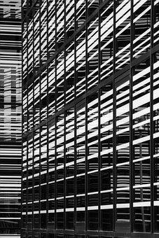 Groningen, La Liberté, Architecture