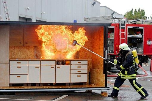 Fire, Feuerloeschuebung, Kitchen Fire, Flame