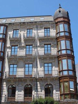Bilbao, Calle Hurtado De Amezaga