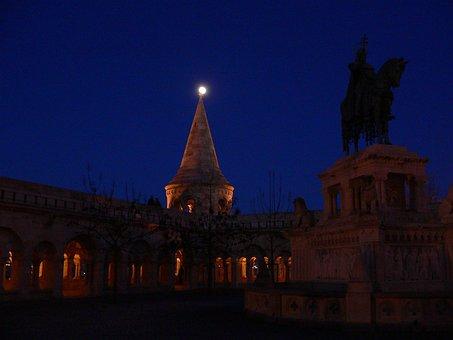 Fishermen's Bastion, éjjszaka, Moon