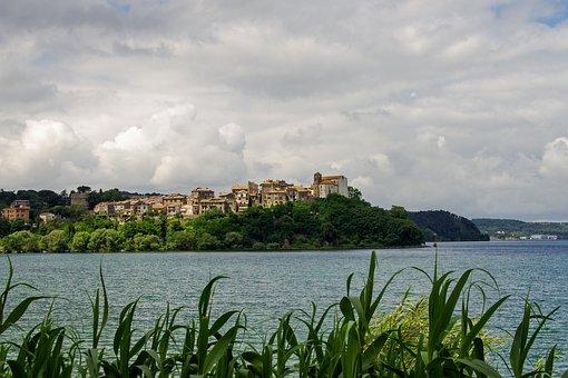 Anguillara, Lake Bracciano, Rome, Lazio, Italy