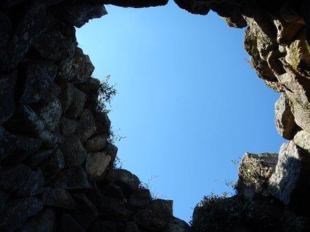 Nuraghe Majori, Sardinia, Sky