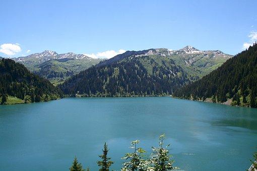 St Guerin, Savoie, Beaufortain, Lake