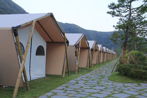 Camping, Glam-ping, Hugh Sat Pia