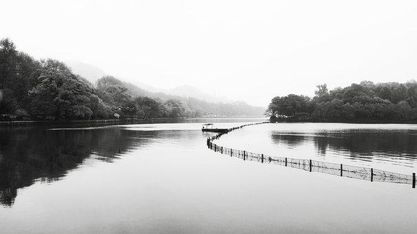 Hangzhou, West Lake, Ching Ming, Ship