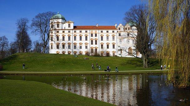 Germany, Castle Of Celle, Spring, Pond