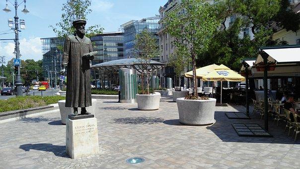 Budapest, Kálvin Square, John Calvin