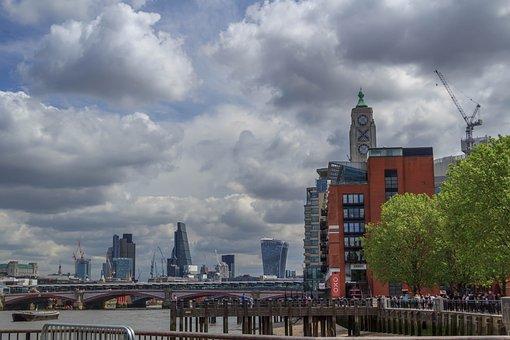 River Thames, Oxo Building, City, London, England