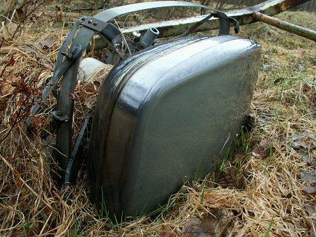 Tv, Televisor, Lamp, Grass, Old, Broken, Electronic