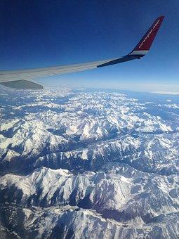 Fly, Pyrenees, Summit, Snow, Mountain Summit
