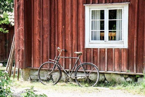 Facade, House, Falun Red, Cycle