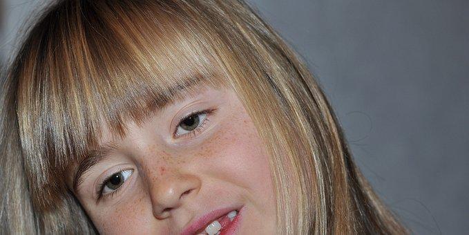 Child, Girl, Blond, Face, Eyes, Gap, Freckles, Pony