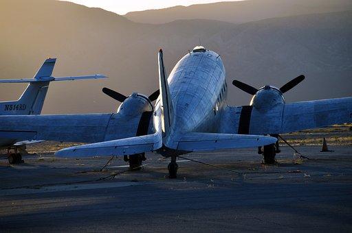 Aircraft, Hangar, Flyer, Propeller, Propeller Plane