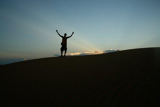Dunes, Loneley, Hands-up, Hurray, Leader, Mui Ne