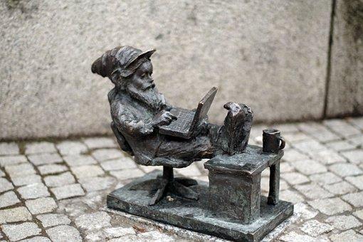 Krasnal, Wrocław, Sculpture, The Figurine