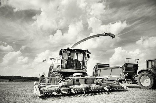 Agricultural Machine, Combine Harvester, Tractor