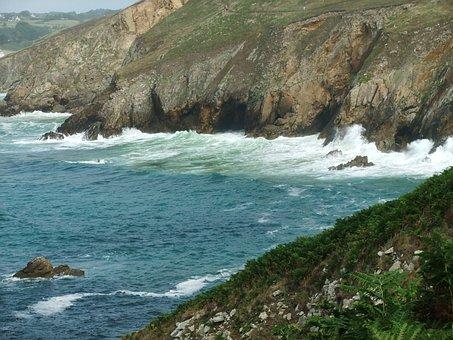 Brittany, Agitated, Sea
