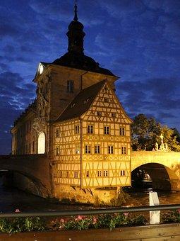Bamberg, Town Hall, Fachwerkhaus, Arch
