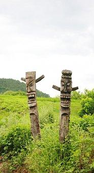Totem Pole, Wood, Carvings, Indian, Skulls, Masks