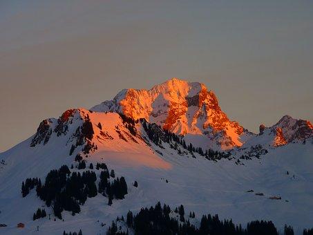 Alpenglühen, Red, Alpine, Mountains, Winter, Snow