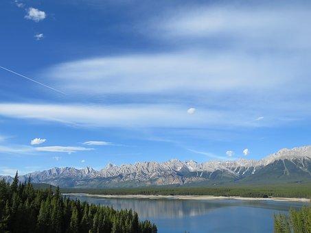 Lower Kananaskis Lake, Mountains, Lake, Alberta, Canada