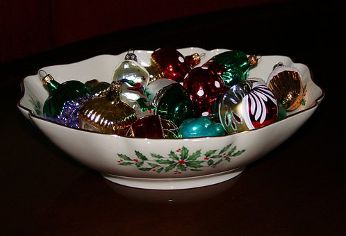 Christmas Bowl, China, Holly, Ornaments, Decorations