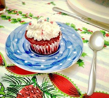 Dessert, Red Velvet, Cake, Ponquesito, Cupcake, Served
