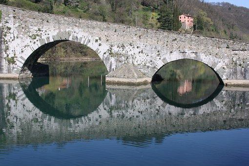 Lunigiana, Devil's Bridge, Tuscany