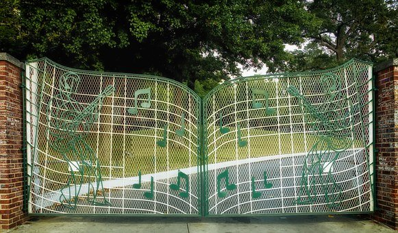 Graceland, Memphis, Tennessee, Gates, Musical Notes