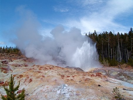 Steamboat Geyser, Yellowstone, Wyoming, Colorful