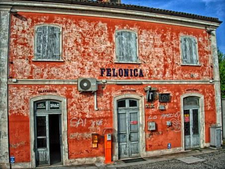 Feloncia, Italy, Train Station, Old, Weathered, Depot