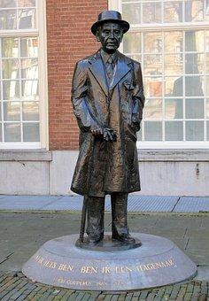 Statue, Louis Couperus, The Hague, Netherlands