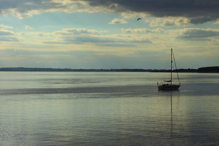 River, Humber, Sky, Water, Hull, Boat, Vessel, Marine