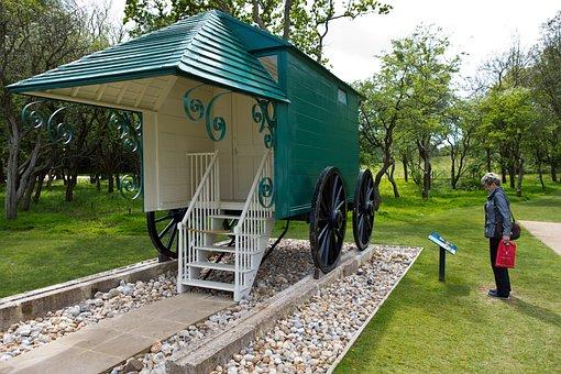 Bathing Machine, Osborne House, Isle Of Wight