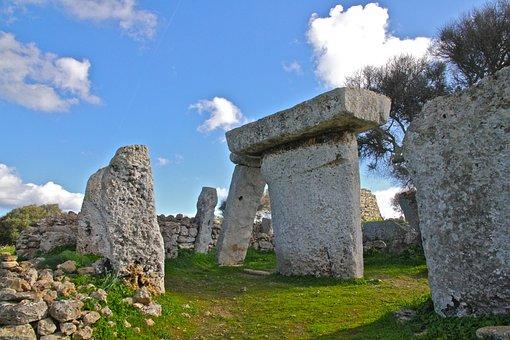 Minorca, Prehistory, Taula