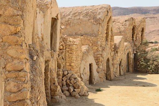 Tunisia, Sahara, Shopping Former Granaries