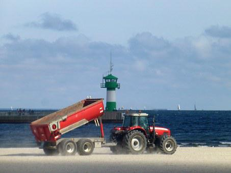 Lübeck Bay, Travemünde, Lighthouse, Tractors