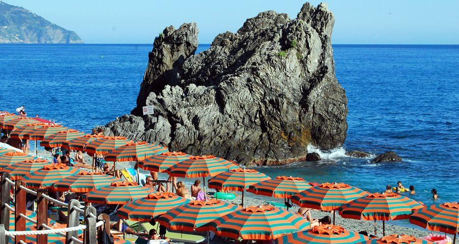 Scoglio, Umbrellas, Sea, Water, Beach, Holiday, Summer