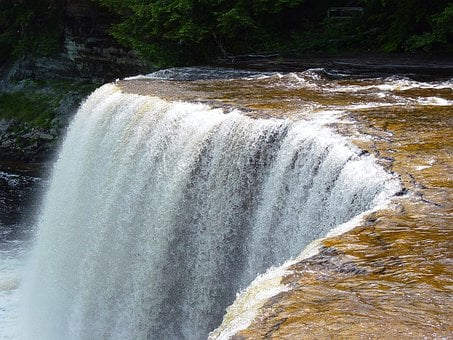 Tahquomenon Falls, Michigan, Tannin, Water
