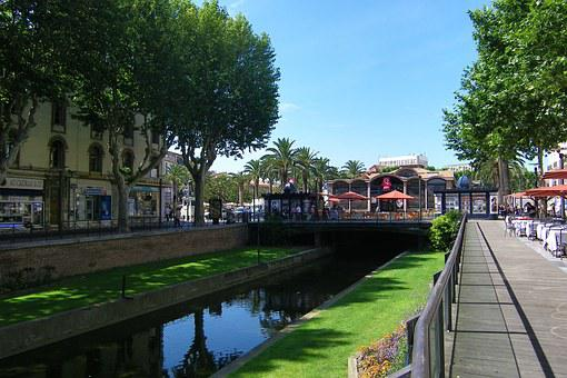 Perpignan, The Quays, The Banks Of The Bass
