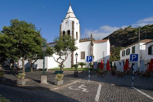 Madeira, Santa Cruz, Church