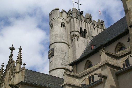 Münstermaifeld, Collegiate Church, Exterior, Germany
