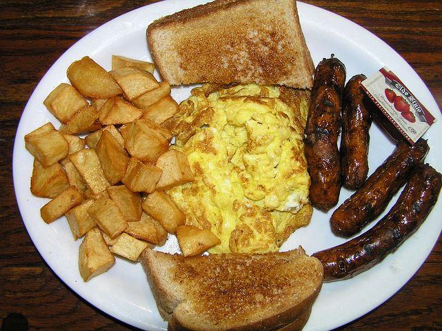 Breakfast, Toast, Hash Browns, Sausage, Scrambled Eggs