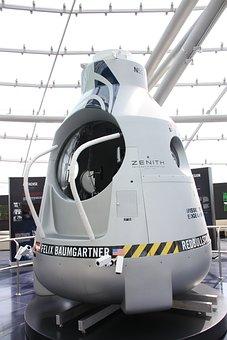 Felix, Baumgartner, Stratosphere, Jump, 2012, Capsule