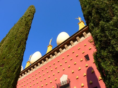 Egg, Ball, Building Figures, Red, Golden, Dalí, Museum